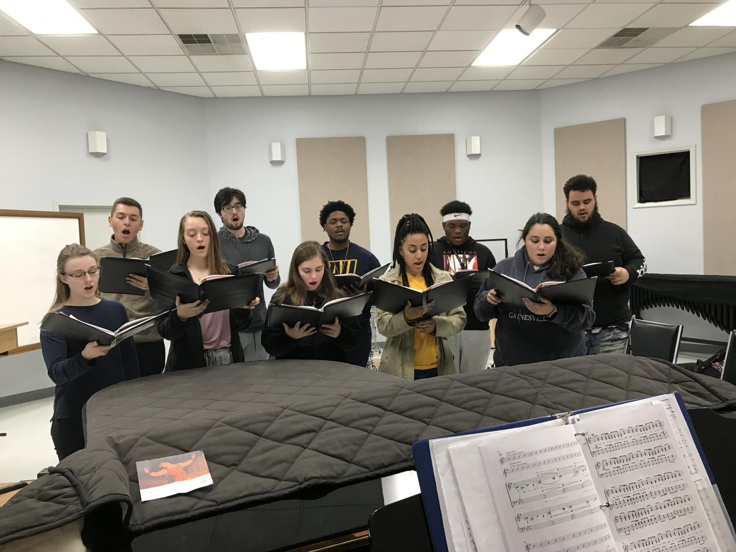 The Averett Singers practicing for upcoming concerts.